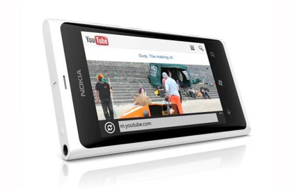 nokia-lumia800-white.jpg