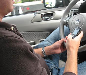 texting-driving.jpg