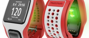 TOMTOM RUNNERCARDIO WhiteRed lores-largeinpost