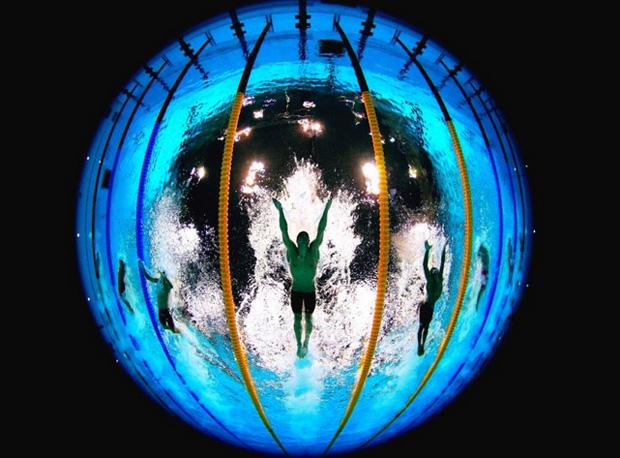 london 2012 this pool camera tweets underwater photos from the olympics shinyshiny