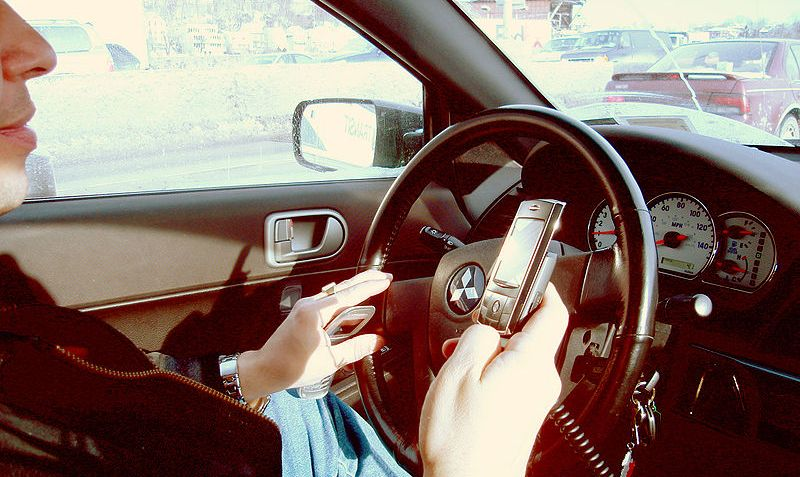 phone-use-in-car