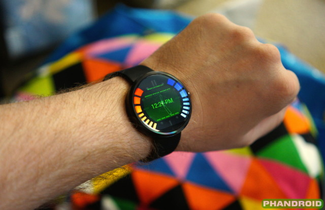 Secret Agent Watchface for Android Wear (image via Phandroid)