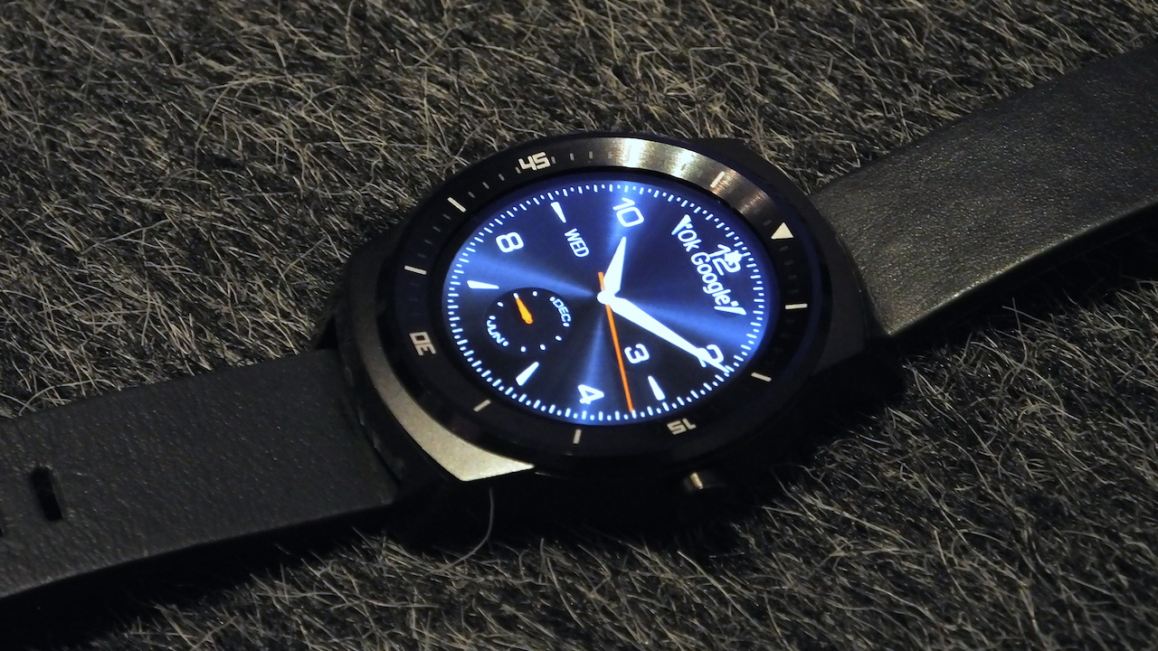 lg-g-watch-r-top