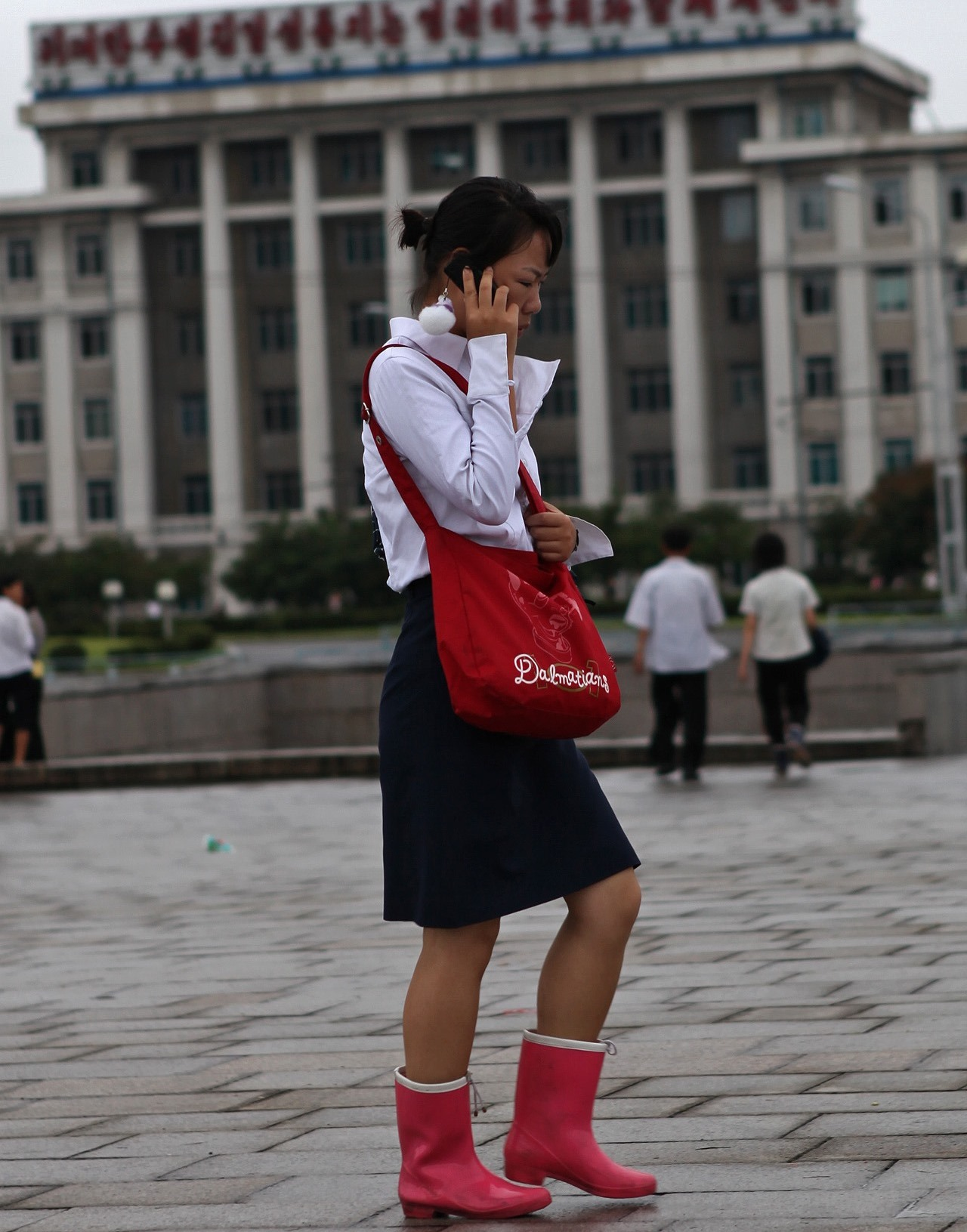 North Korean women prefer mobile phones to engagement