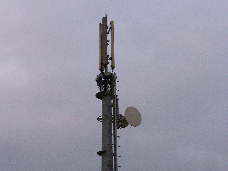 800px-PhoneMast_FSSE-INFO