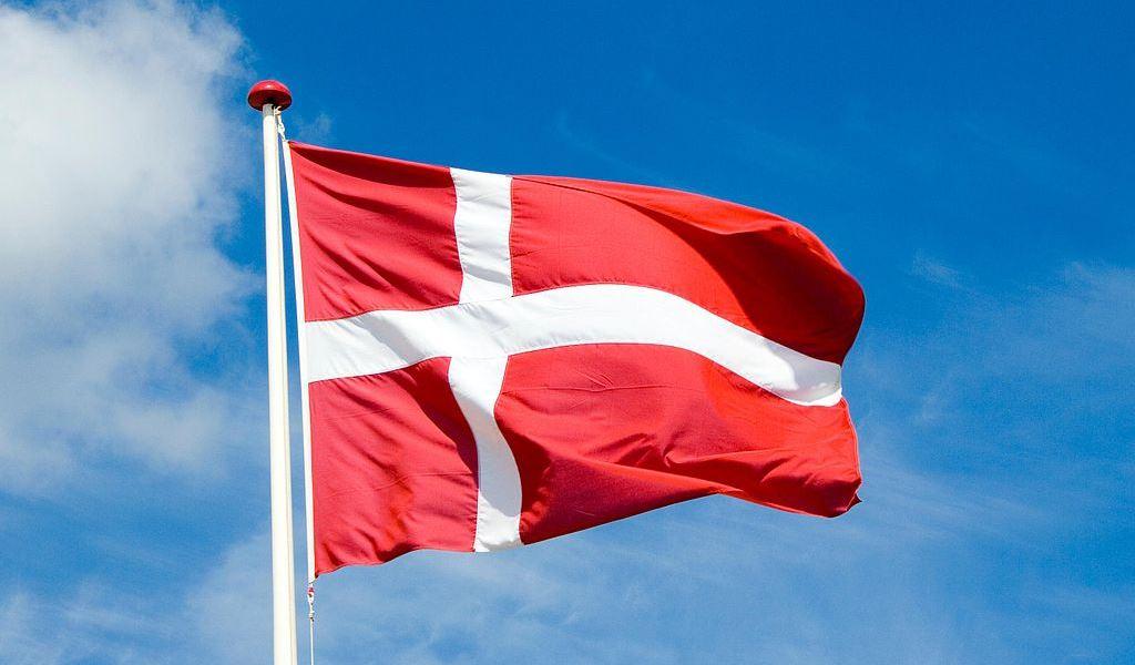 danes-happiest-people-in-world