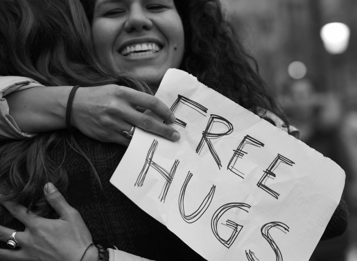 hugs-help-physical-health