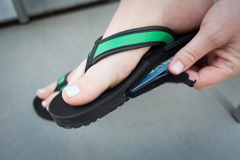 flip flop stash