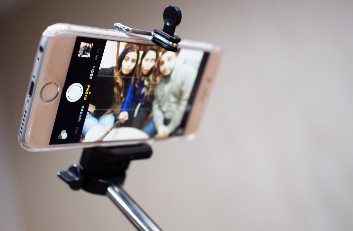 in defence of the selfie stick shinyshiny. Black Bedroom Furniture Sets. Home Design Ideas
