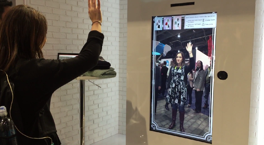Ces 2015 Toshiba 39 S Virtual Dressing Room Lets You Try On