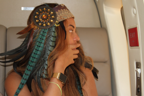 beyonce apple watch gold