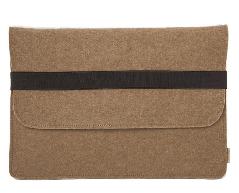 Brown wool MacBook sleeve
