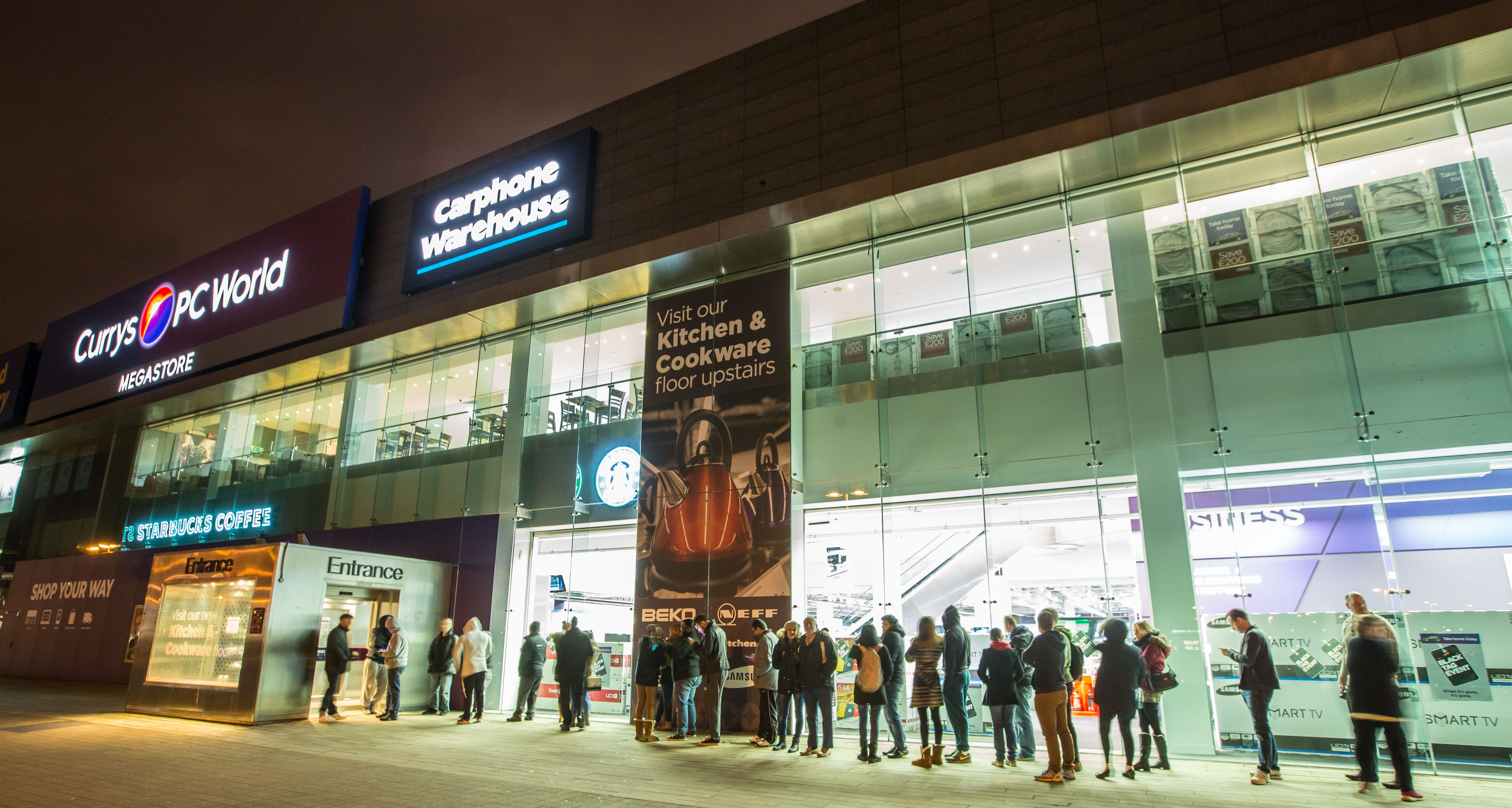 Customer queued for Currys PC World before the sun was up this morning, ....jpg